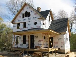 Bygg nytt hus med hjälp av en snickare.